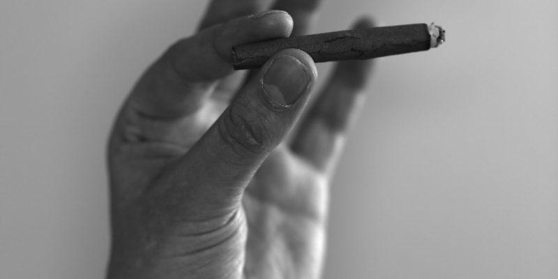 Smoking THC: Why is Dabbing Better Than Smoking THC